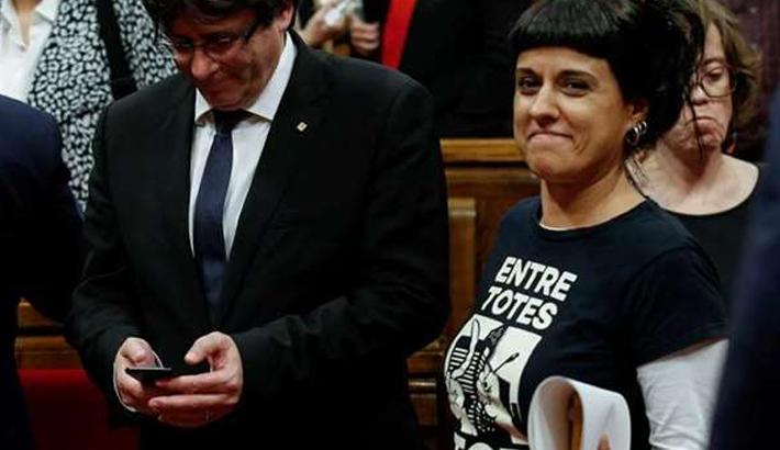 Spain court orders arrest of self-exiled Catalan separatist