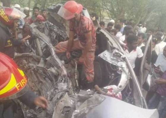 Bus-Microbus collision kills 3 in Gopalganj