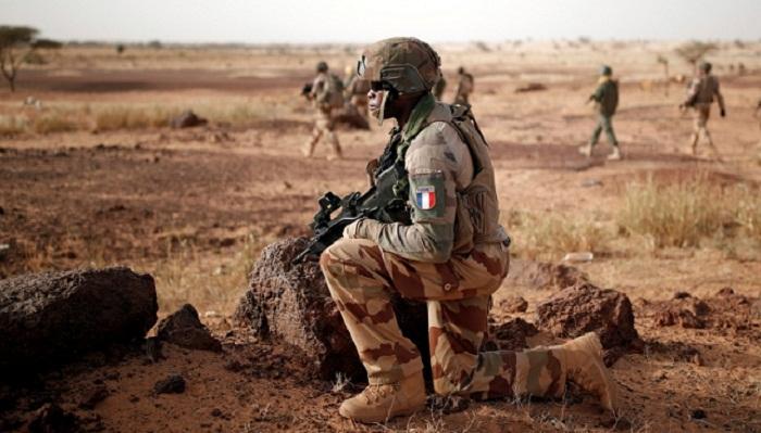 Mali blast kills two French soldiers
