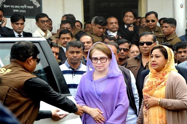 Now, Khaleda seeks High Court bail in graft case