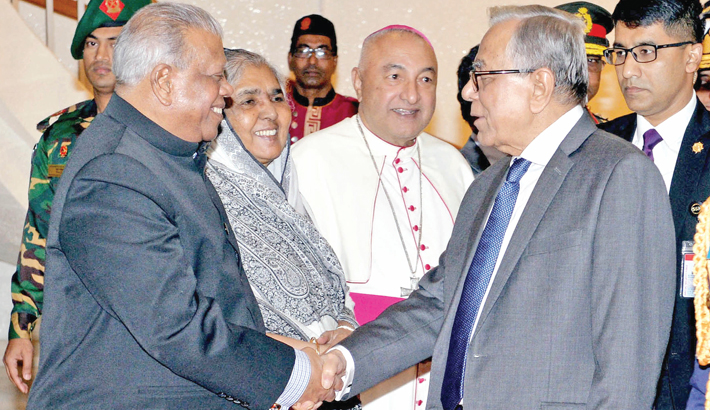 President reaches  Singapore for  check-up