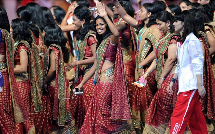 India dumps sari for trousers at Commonwealth Games ceremony