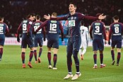 Di Maria double sinks Marseille to soften Neymar blow