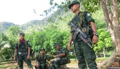 Myanmar forces open  fire along border