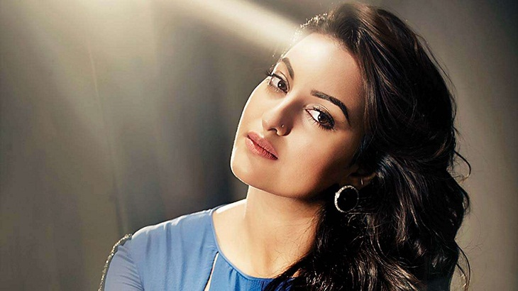 Sonakshi to use dad's swag for Housefull 4