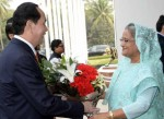 Prime Minister seeks Vietnam's support for solution to Rohingya crisis