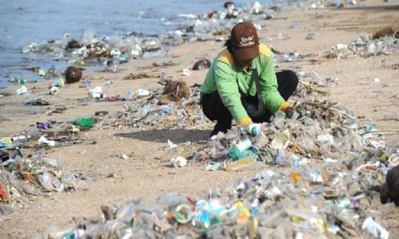 Bali's battle against plastic pollution