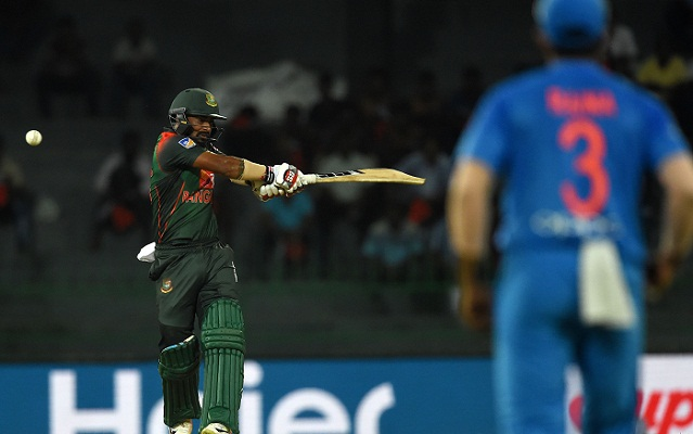 India restrict Bangladesh to 139-8 in tri-series T20