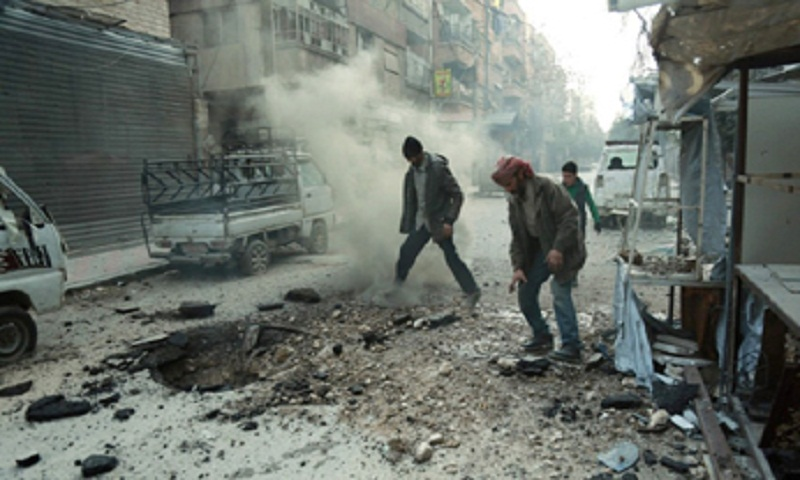 Syria army cuts off main rebel town in Ghouta as death toll tops 1,000