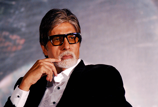 Amitabh Bachchan falls ill on the sets of Thugs of Hindostan