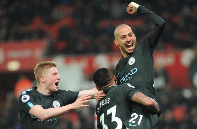Silva double earns title-chasing Man City 2-0 win at Stoke