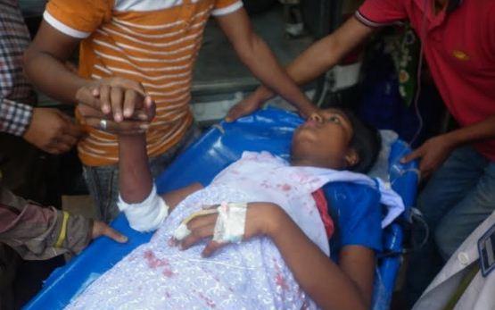 Schoolgirl stabbed by 'drug peddler' in C'awabganj