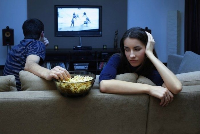 Binge watching TV for hours may up cancer risk in men: study