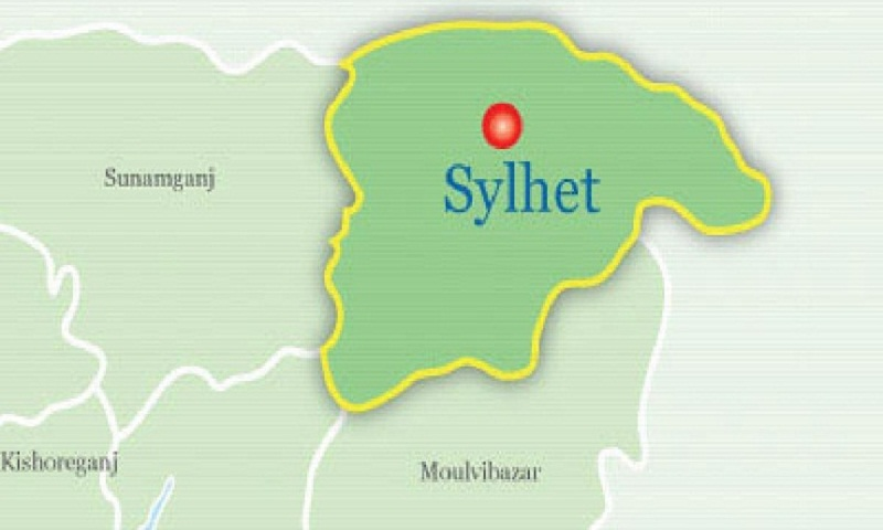 Student dies falling off rooftop in Sylhet
