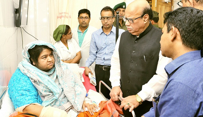 Govt to give treatment to plane crash injured ones: Nasim