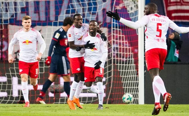 Bundesliga leader Bayern slumps to rare defeat