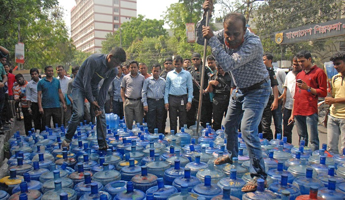 2 water factories sealed in city