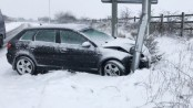 Drivers stranded in heavy snow in UK