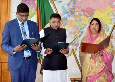 Badruddoza, Patwari take oath