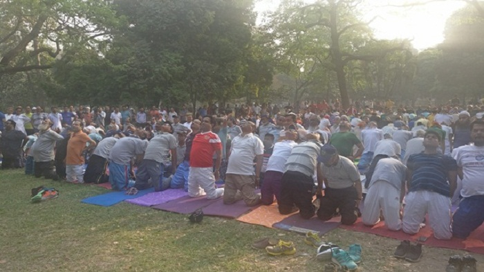 Yoga for clean city