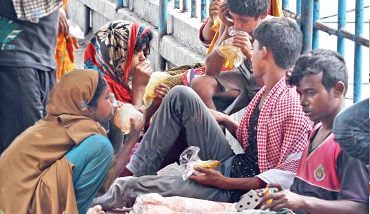 Street children being addicted to drugs