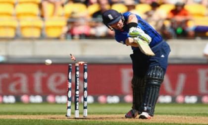 New Zealand 197-3 as rain forces early tea aginst England