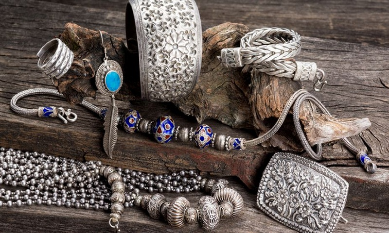 Make right fusion with traditional jewelleries