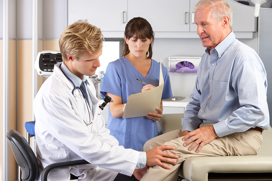 Knee pain can trigger depression among elderly people: Research