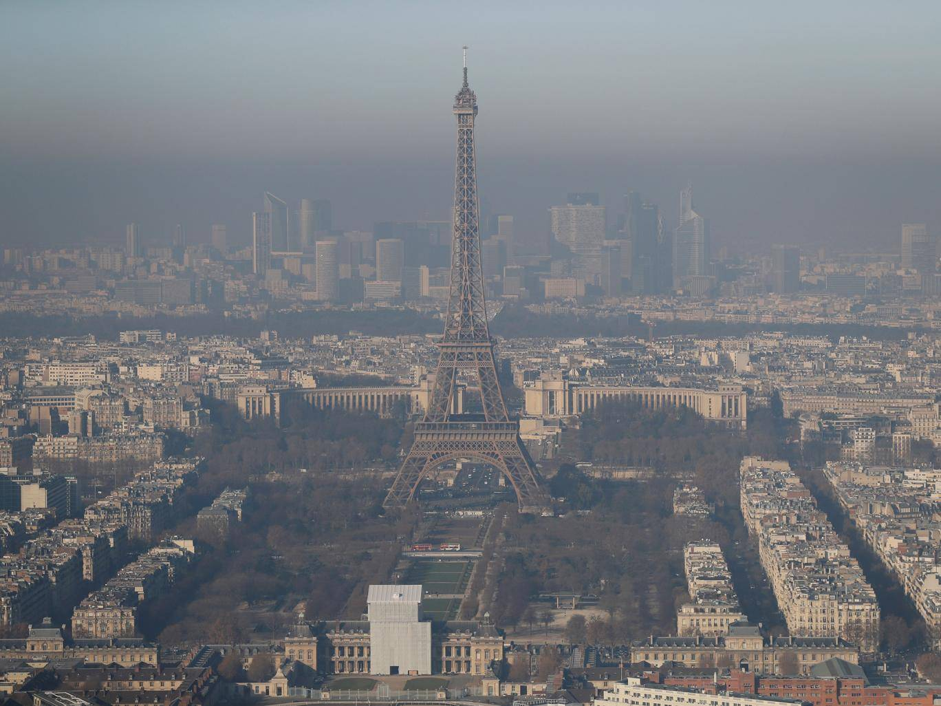 Paris considers making public transport free to reduce pollution