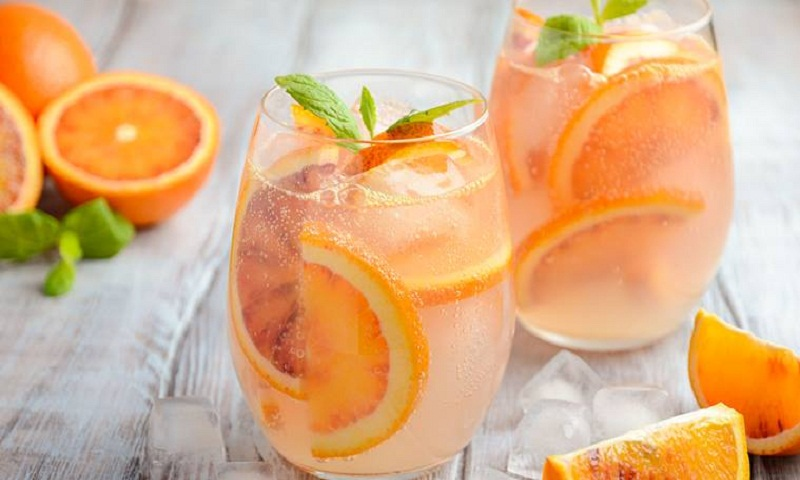 Drink the right kind of beverages this summer