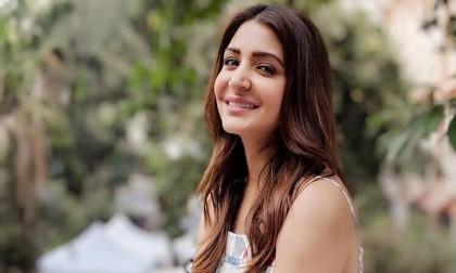 Anushka Sharma beats Priyanka Chopra to become most-influential actor on social media