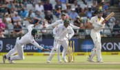 Humiliated Australia loses 3rd test to S Africa by 322 runs