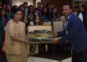 BD youth delegation meets Modi, Sushma in Delhi
