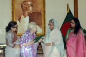 British woman Lucy Helen finally gets Bangladesh citizenship
