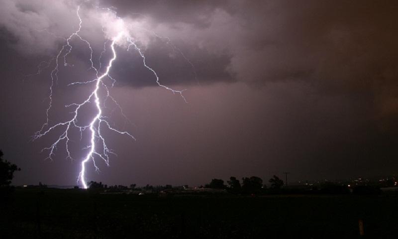 Lighting strike kills 3 farmers in Pabna