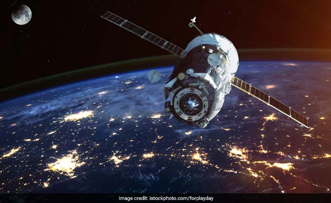 China says space lab's re-entry imminent, off Sao Paulo