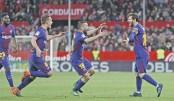 Messi saves Barca's unbeaten record