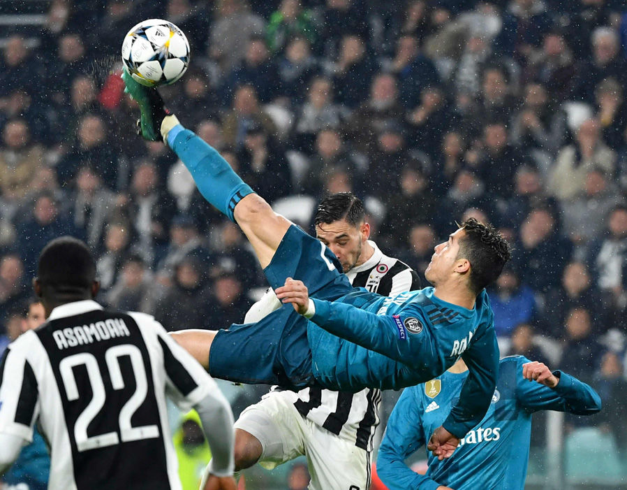 Record-breaker Ronaldo lauded after 'most beautiful goal' buries Juventus