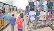 Hawkers occupy most of  footpaths in capital