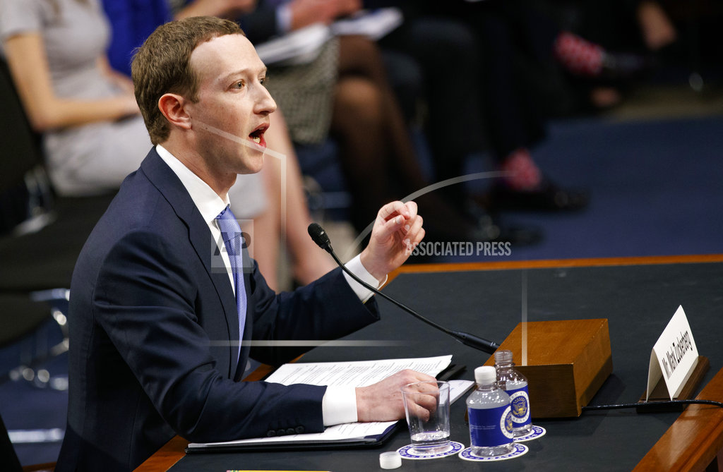 CEO Zuckerberg apologizes for Facebook's privacy failures