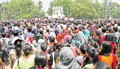 Anti-quota protesters return to the street