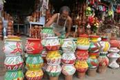 Doyel Chattar abuzz with handicraft products ahead of Pahela Baishakh