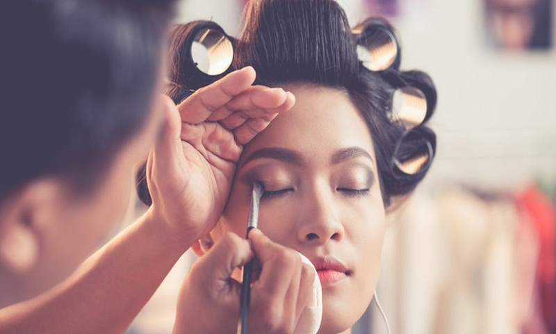 Help your hair, make-up survive the sweaty summer