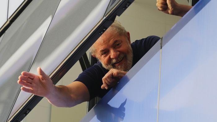 Brazil's ex-leader still leads in polls after arrest