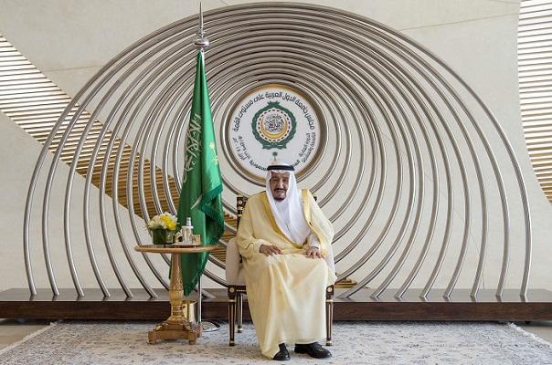 Saudi king slams Iran, US for transfering embassy to Jerusalem