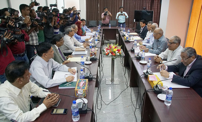 Bangladesh Nationalist Party dlelegation sits with Election Commission