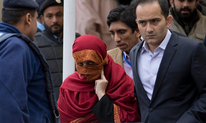 Pakistan ex-judge, wife convicted for torturing child servant