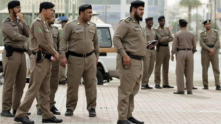 4 Saudi officers killed in gun attack