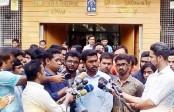 Protestors demand resignation of DU hall authorities