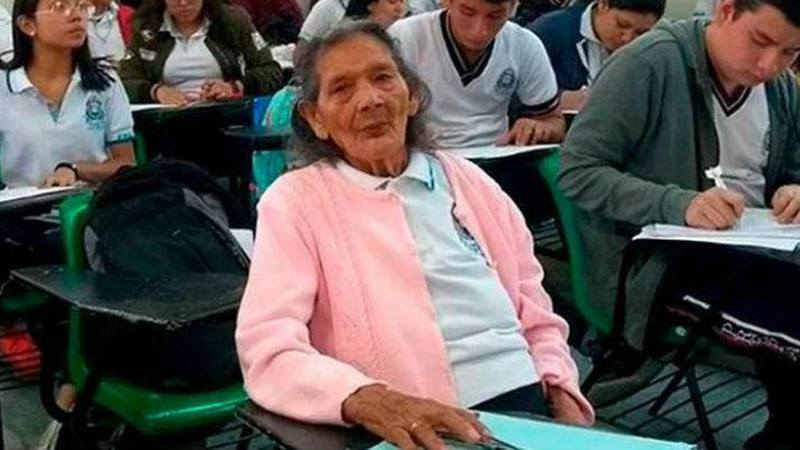 At 96, Mexican woman fulfils dream to attend high school